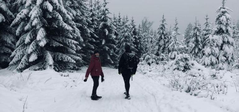 Niklas und Franzi im Schnee